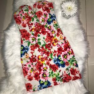 Dresses & Skirts - Floral print bodycon mini dress